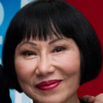 AMY TAN...BEAUTIFUL!