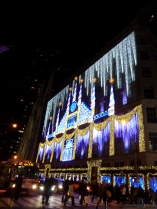 saks-holiday-2015-decorations